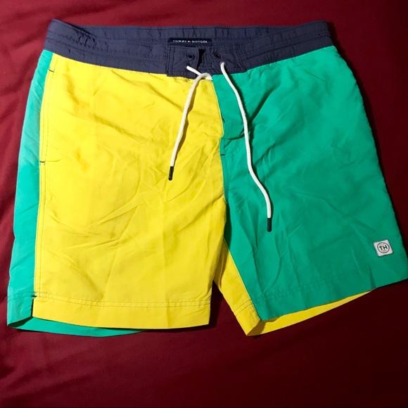 b6b34e1733771 Tommy Hilfiger Retro Colorblock Swim Shorts. M_5a3b5c345512fd6ecf01b33e